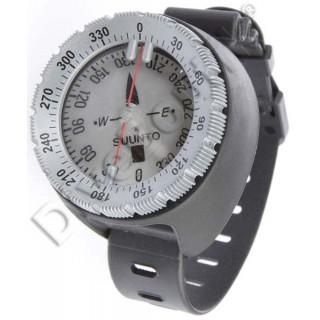 Compas SUUNTO SK8 sur bracelet